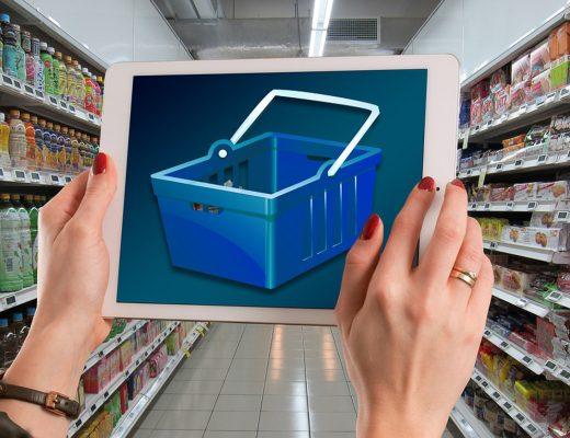 Continua il boom dell'e-commerce. Spazi ampi di crescita per l'alimentare, ma ci sono delle regole da seguire